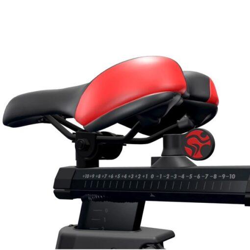 Life Fitness IC7